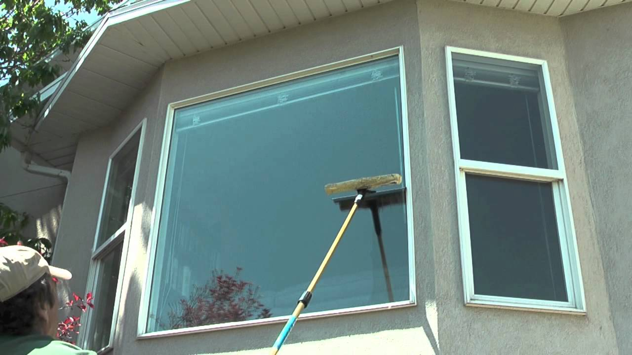 How to clean outside windows on a house